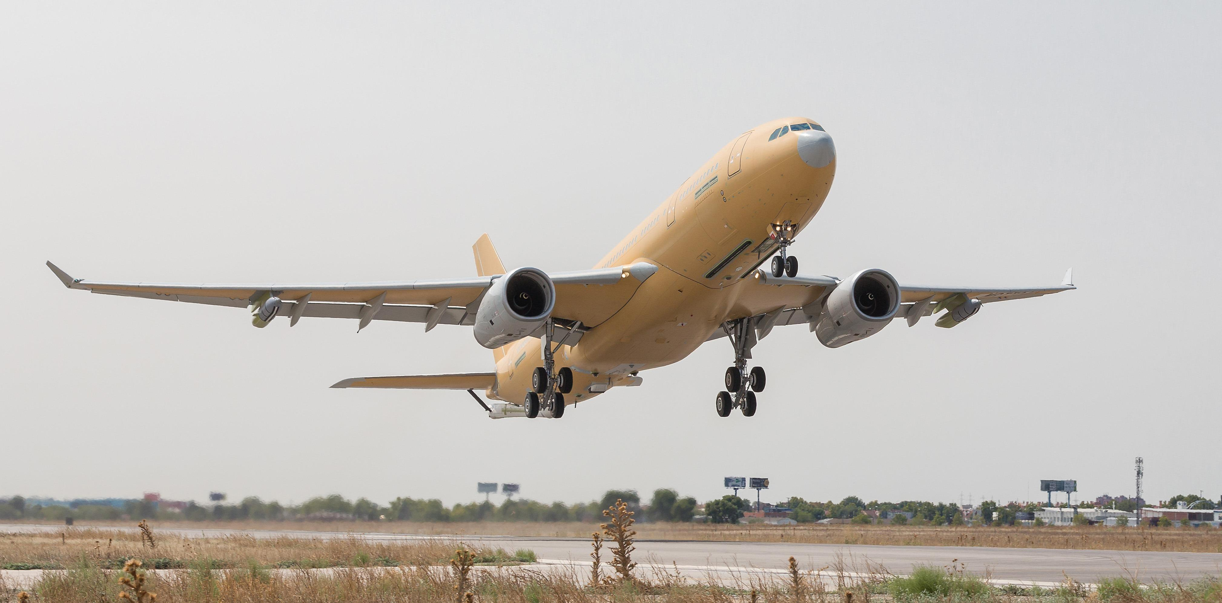 Maiden flight for first French MRTT