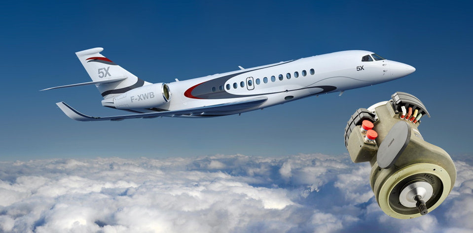 Falcon 5X first flight with Thales on board